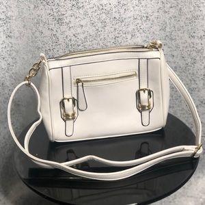 White medium crossbody bag